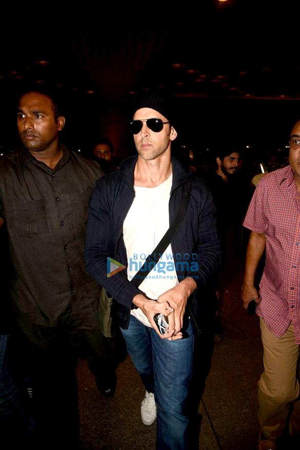 Hrithik Roshan departs for Singapore