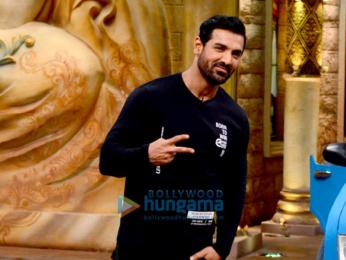 John Abraham & Sonakshi Sinha grace the show 'Comedy Night Bachao'