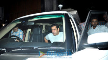 Salman Khan, Sangeeta Bijlani and others snapped in Bandra