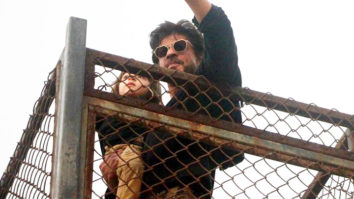 Shah Rukh Khan Appears In Style At Mannat On His 51st Birthday