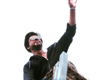 Shah Rukh Khan greets his fans on his 51st birthday