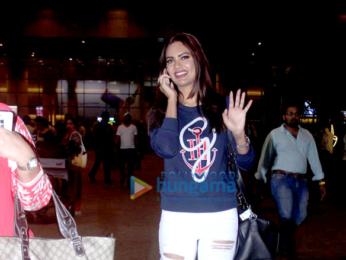 Sharman Joshi & Esha Gupta snapped at the international airport