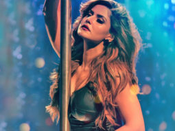 Zareen Khan SUPER HOT In The Making Of The Song Maahi Ve making Of Music Video Images