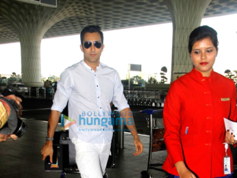 Ajay Devgn, Shahid Kapoor and Kajol snapped at the airport