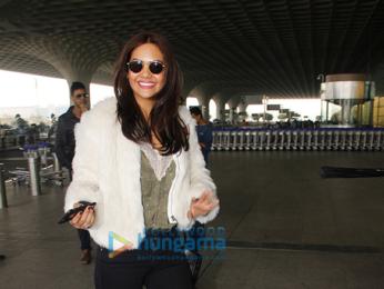 Esha Gupta spotted at the Mumbai international airport