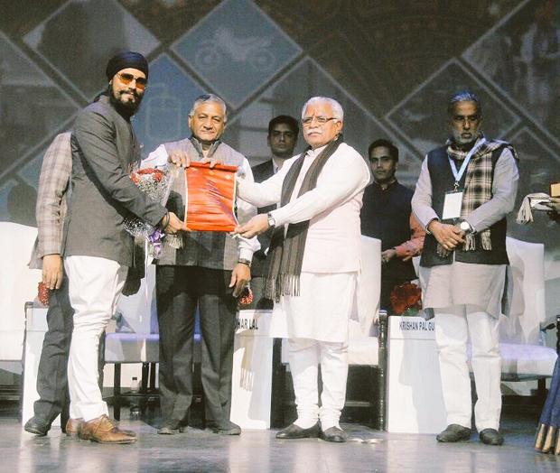 Haryana government confers Randeep Hooda and Sonu Nigam with Gaurav Samman 1