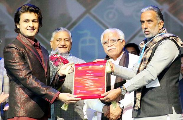 Haryana government confers Randeep Hooda and Sonu Nigam with Gaurav Samman 2