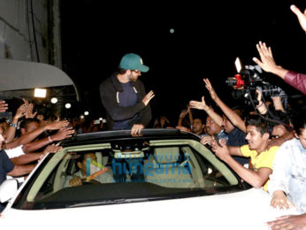 Hrithik Roshan interacts with his fans at Chandan cinema as a part of 'Kaabil' promotions