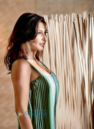 Celebrity Photos Of The Lisa Ray