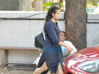 Mira Rajput snapped post salon session in Bandra