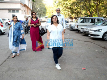 Pulkit Samrat manhandles a media photographer as his wife Shweta Rohira files for divorce
