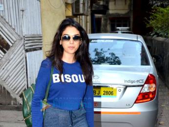 Aditi Rao Hydari snapped post a salon session in Khar