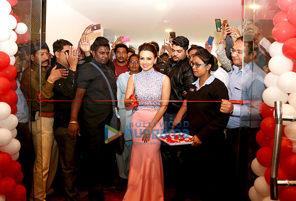 Sana Khan inaugurates Carnival Cinemas' newest two screen property in Mandsaur