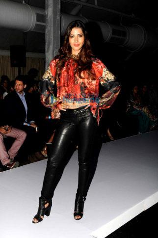Celebs grace FAD fashion show in Mumbai