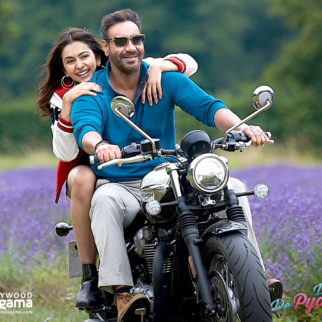 Movie Wallpapers Of The Movie De De Pyaar De