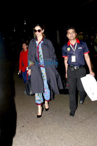 Deepika Padukone and Hrithik Roshan snapped at the airport