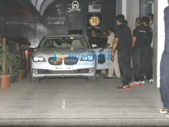 Shah Rukh Khan snapped post a gym visit in Bandra