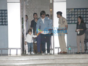 Shah Rukh Khan arrives with AbRam from 'Raees' promotions in Ahmedabad