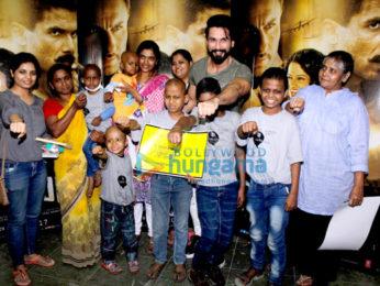 Shahid Kapoor and Kangna Ranaut meet access life NGO kids while promoting their film 'Rangoon'