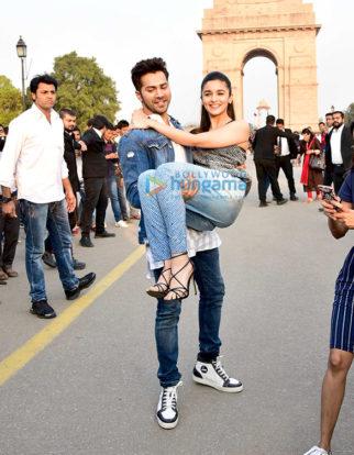 Varun Dhawan and Alia Bhatt promote their film 'Badrinath Ki Dulhania' at India Gate, Delhi