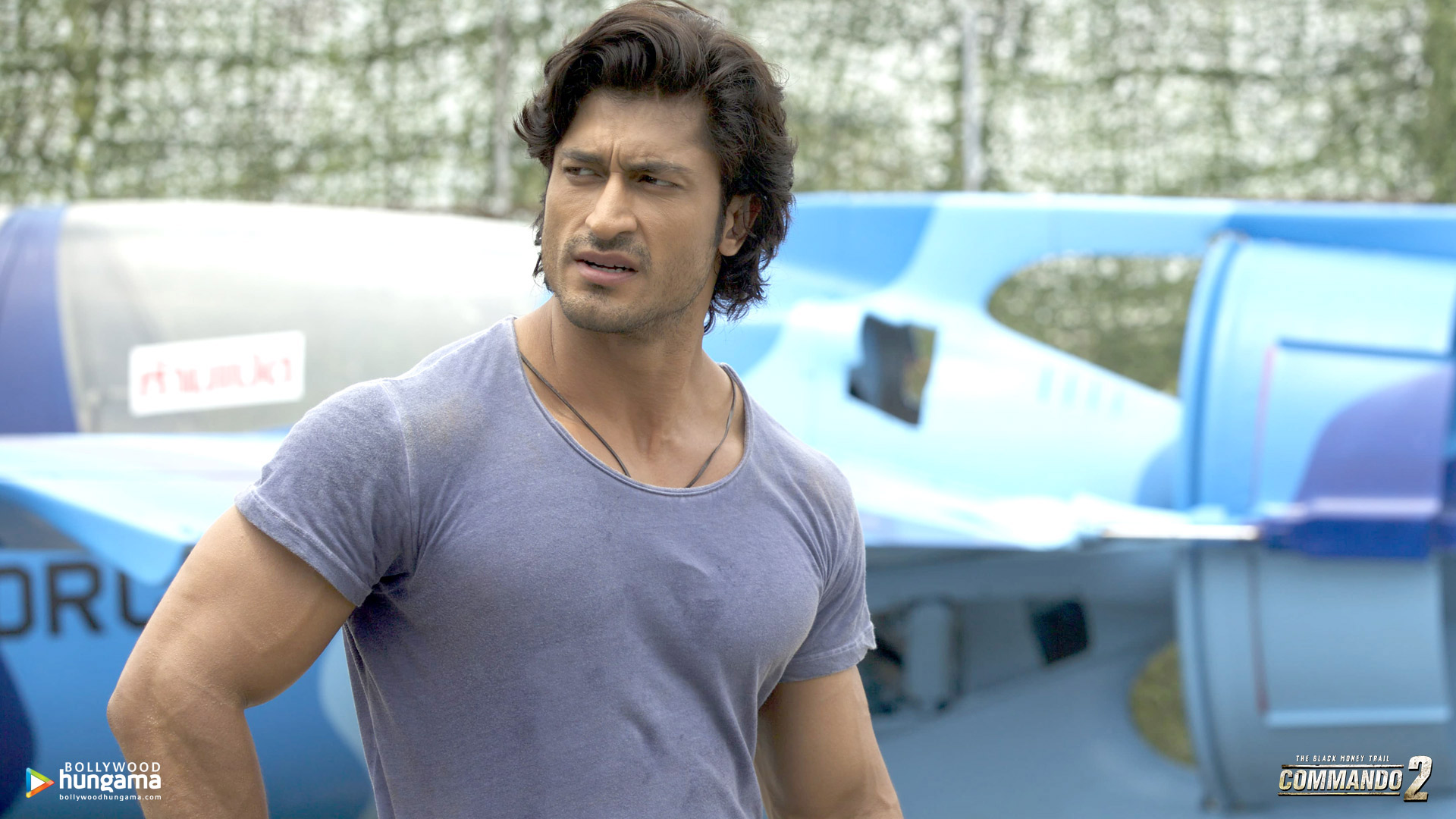 Commando 2 Wallpaper: Commando-2-5-4 - Bollywood