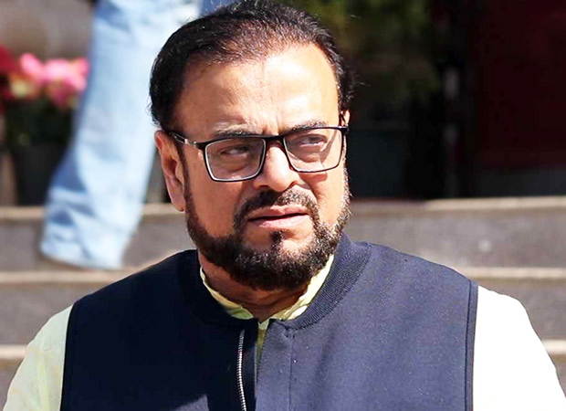 Abu Azmi mocks Karan Johar for opting surrogacy news