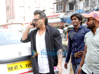 Karan Singh Grover snapped at 'Brittos Cafe' in Bandra