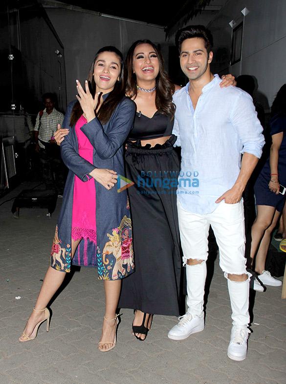 Sonakshi Sinha bumps into Varun Dhawan & Alia Bhatt during a shoot