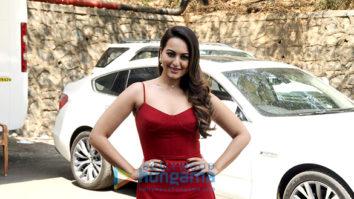 Sonakshi Sinha snapped at 'Nach Baliye' promotions