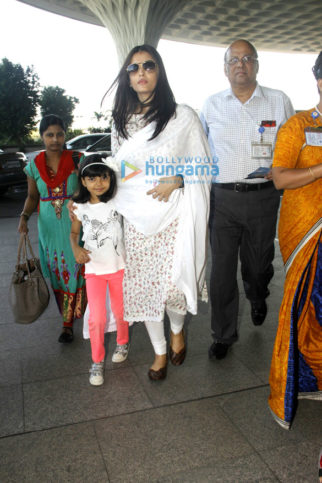 Aishwarya Rai Bachchan, Anushka Sharma, Vaani Kapoor, Diana Penty and others snapped at the airport