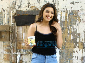 Ayushmann Khuranna and Parineeti Chopra snapped promoting their film 'Meri Pyaari Bindu'