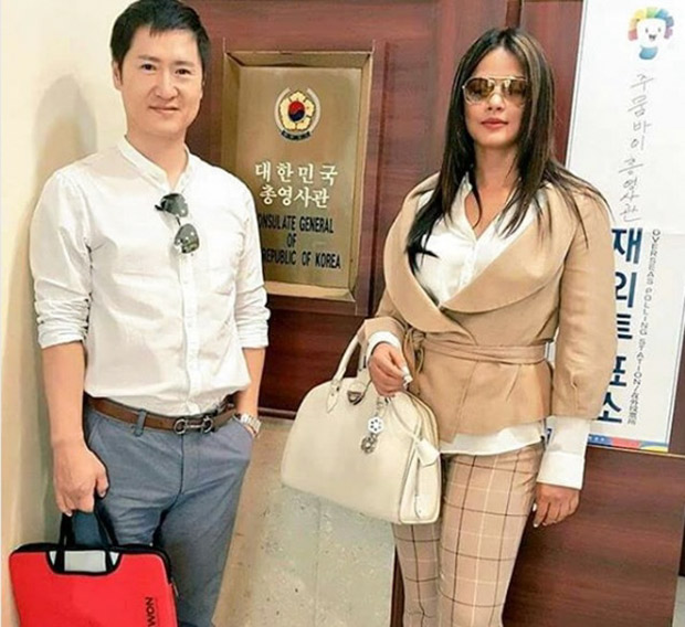 Check out Neetu Chandra meets represents from Consulate General of the Republic of Korea 1