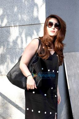 Kareena Kapoor Khan and Amrita Arora snapped post salon session in Bandra