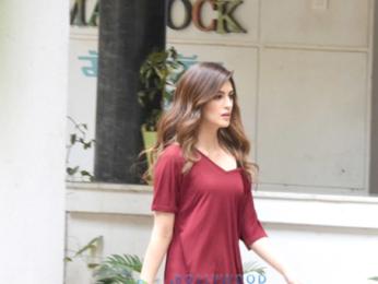 Kriti Sanon snapped post meeting in Bandra