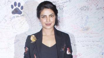 Priyanka Chopra Recreates Mujhse Shaadi Karogi Magic With Her Fans video