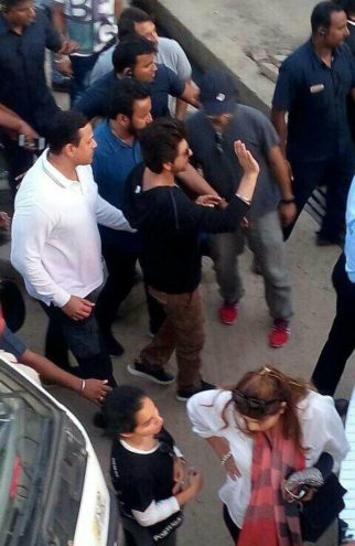 Check out: Shah Rukh Khan and Anushka Sharma shooting for Imtiaz Ali's The Ring in Ludhiana
