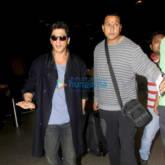 Shah Rukh Khan leaves for Dubai (1)