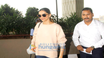 Sonam Kapoor, Deepika Padukone, Neha Dhupia and Kanika Kapoor snapped at the airport