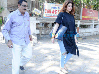 Sussanne Roshan, Twinkle Khanna & Gayatri Oberoi snapped post salon session
