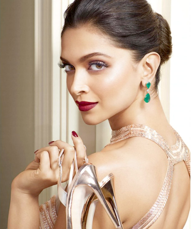 Deepika Padukone is an absolute stunner-1