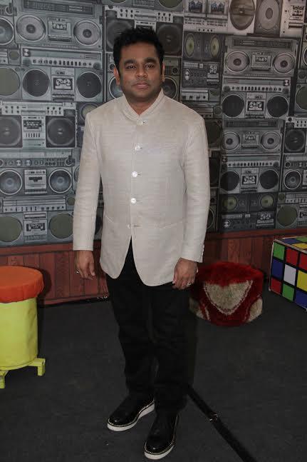 Gorgeous Sridevi & A.R. Rahman promote their film Mom on the sets of Sa Re Ga Ma Pa Lil Champs 20171