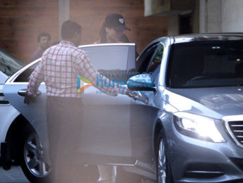 Kareena Kapoor Khan and son Taimur snapped at Amrita Arora's house