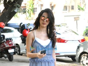 Kiara Advani snapped post her salon session in Juhu