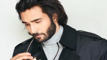 Late actor Vinod Mehra's son Rohan Mehra is internet's new favourite star kid making debut in Saif Ali Khan's Baazaar features