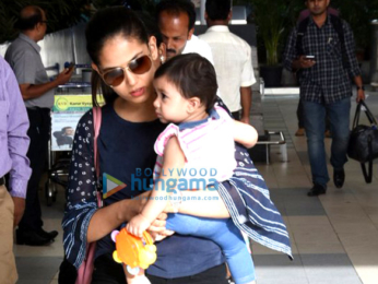 Mira Rajput snapped with daughter Misha at the domestic airport