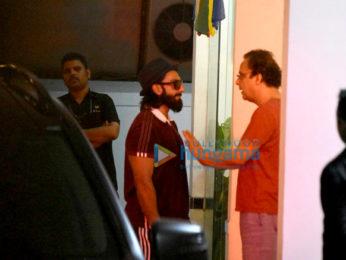 Ranveer Singh snapped at Vidhu Vinod Chopra's house
