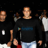 Salman Khan, Karan Johar, Sonam Kapoor, Sunil Shetty and Anil Kapoor snapped at the airport