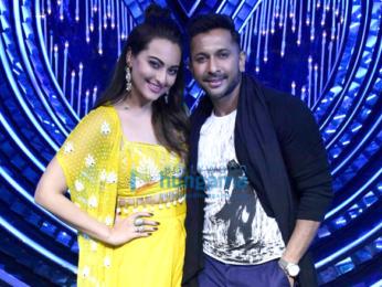Sonakshi Sinha and Baba Ramdev on the sets of Nach Baliye 8