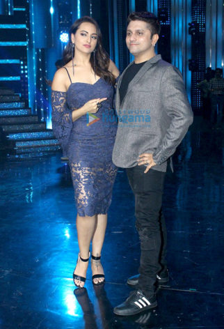 Sonakshi Sinha and Mohit Suri snapped on the sets of Nach Baliye
