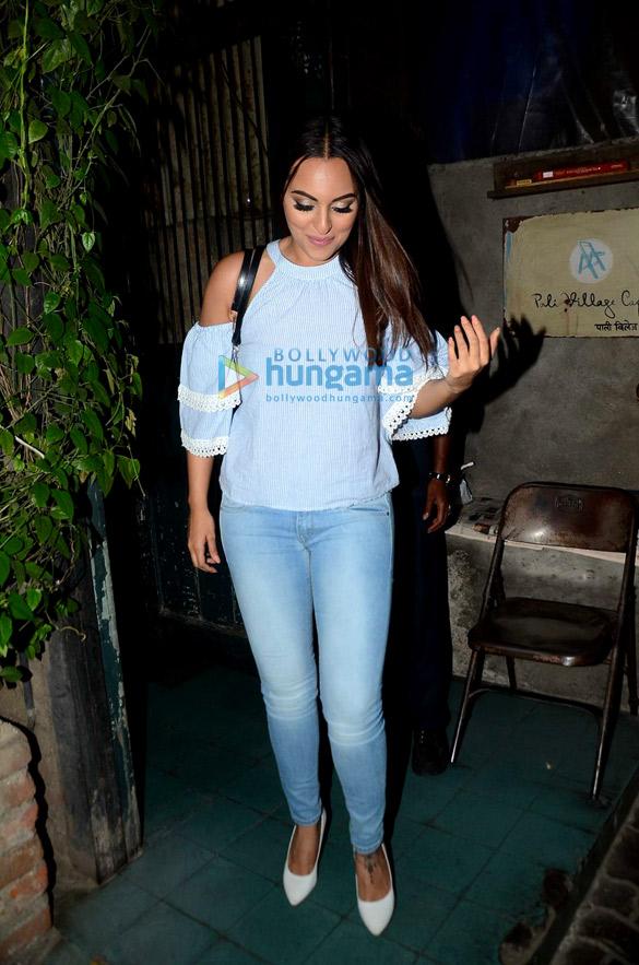 Sonakshi Sinha snapped post her dinner at Pali Village Cafe